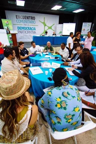 Mesas de discusion_Encuentro comunitario